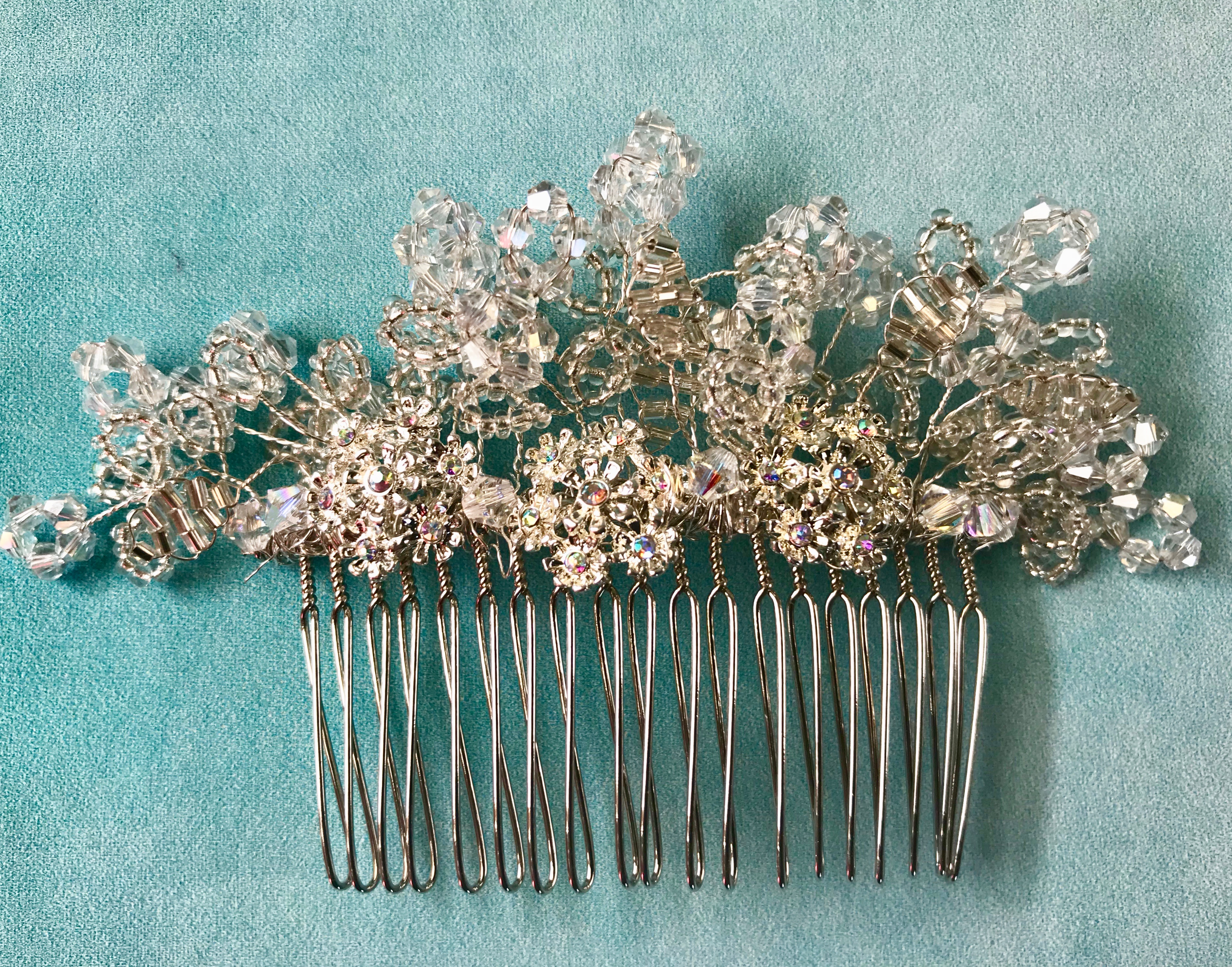 Bridal hair comb by Isabella Josie Millinery